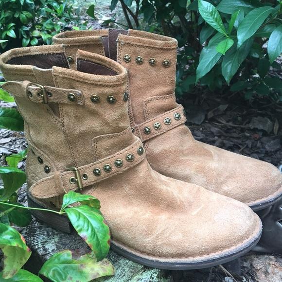 8d6763e3a0b UGG Shoes | Size 9 12 Boots Euc Worn 34 Times | Poshmark